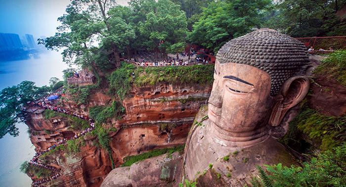 مجسمه بودای لشان در سی چوان چین
