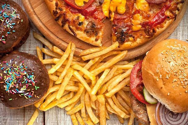 ارتباط مصرف خوراکی های مضر و افزایش ابتلا به افسردگی