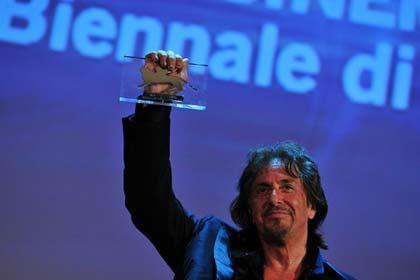 قدردانی از زحمات پدرخوانده در ایتالیا