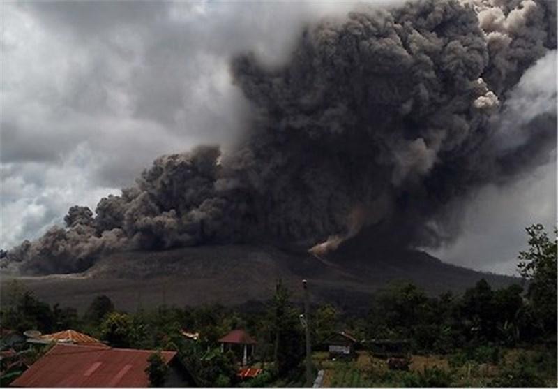 فعال شدن آتشفشان سینابانگ در اندونزی