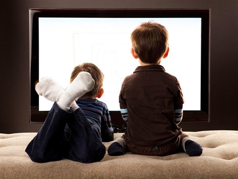 آسیب های استفاده از تلویزیون برای بچه ها