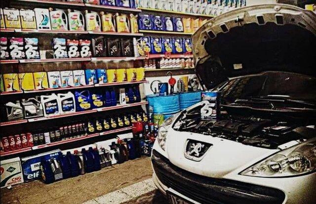 اتحادیه تعویض روغنی های تبریز مغازه های واحدهای صنفی خود را ضد عفونی کرد