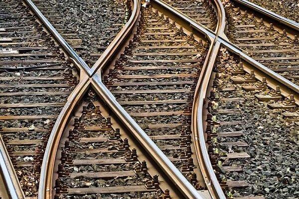 اولین قطار باری وارد رشت شد ، کرج-قزوین دو خطه شد