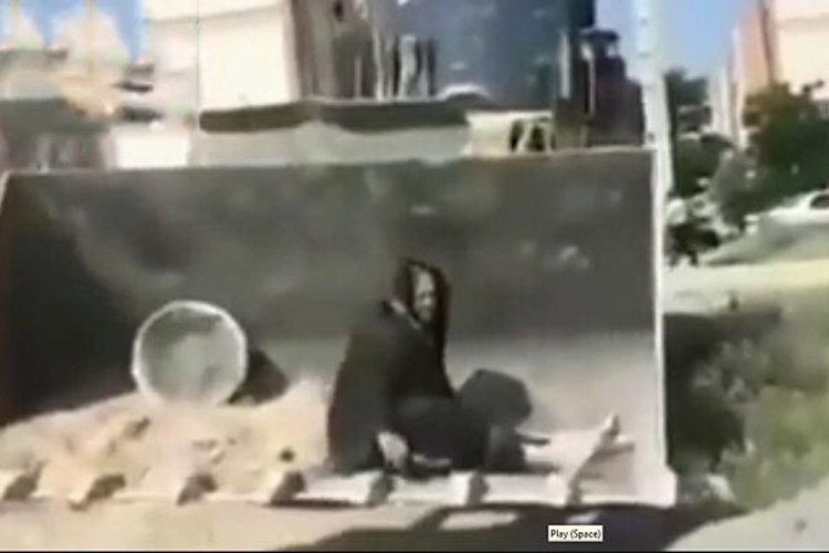 (ویدئو) جزئیات مرگ آسیه پناهی زن کرمانشاهی؛ ورود دستگاه قضا به ماجرای تخریب خانه آسیه پناهی و مرگ مشکوک او