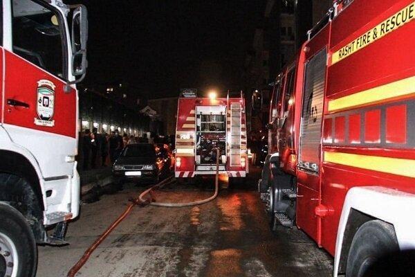 آتش سوزی خودروی پژو 206 در پارکینگ مسکن مهر، نجات 25 نفر